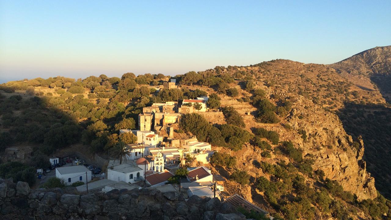 Nisyros - Vue depuis le sommet du village d'Emporios