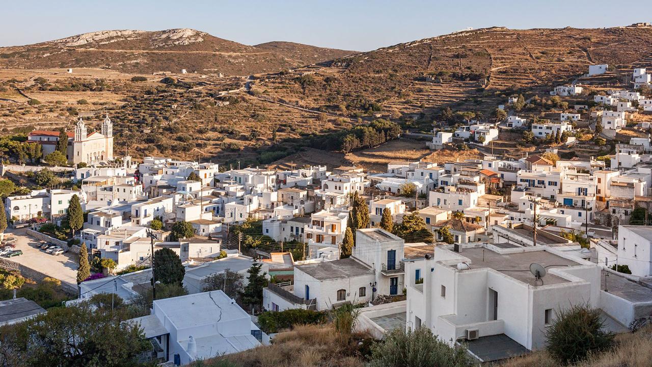 Paros, Cyclades, Grèce : vue sur Lefkes