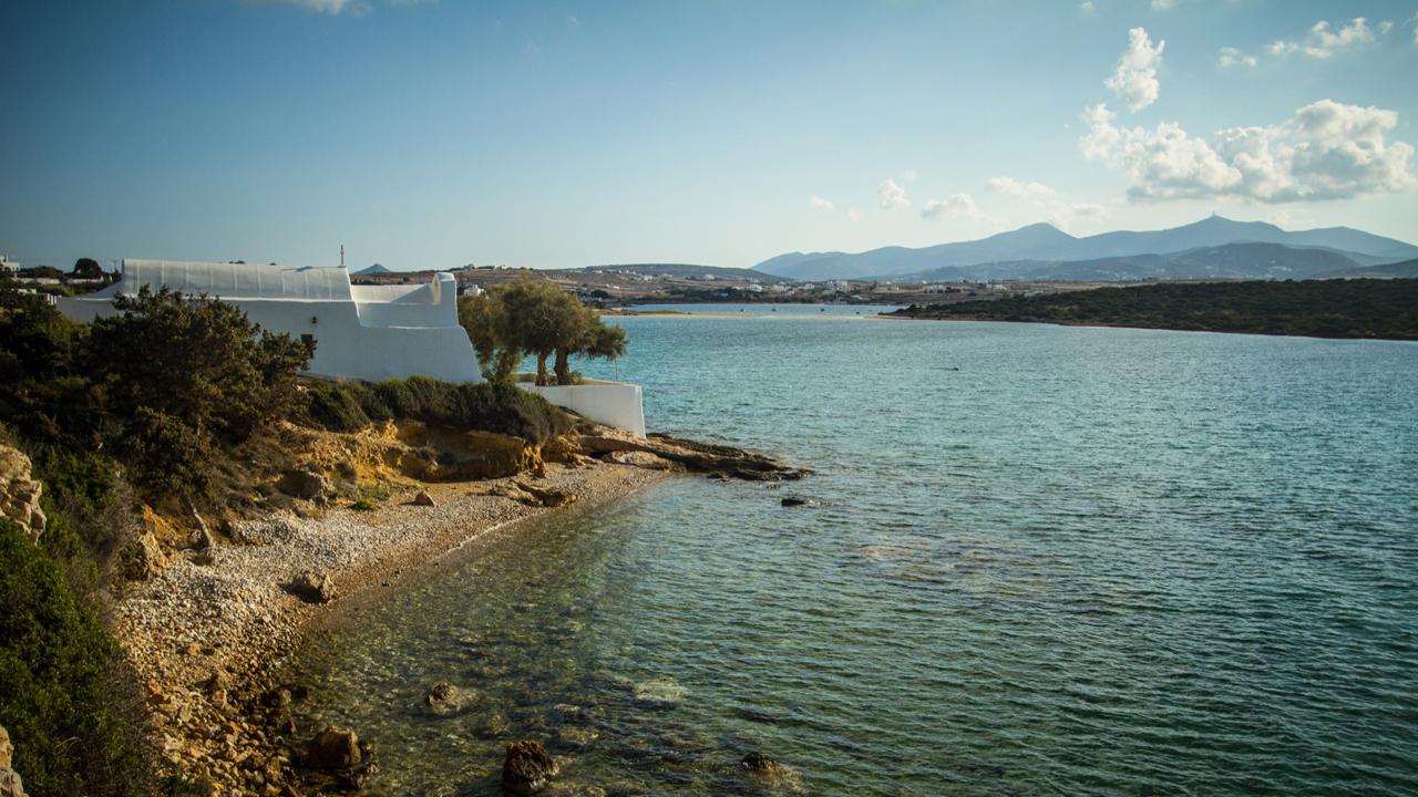 Paros, Cyclades, Grèce : plage de Lageri