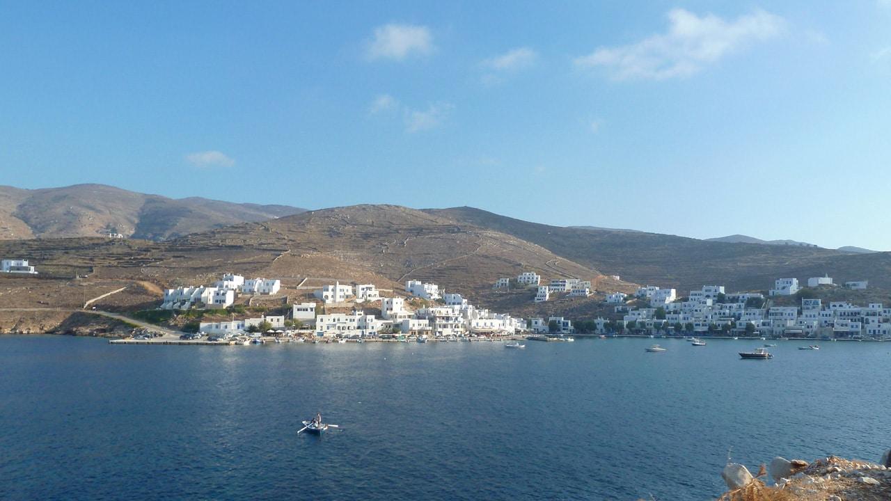 Tinos, Grèce: vue sur le port