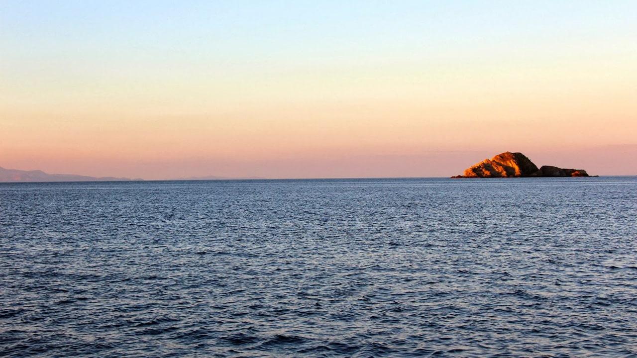 Mykonos - mouillage dans la baie d'Ornos