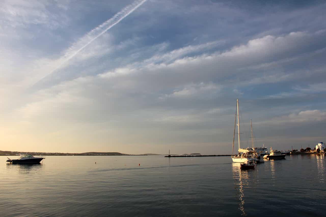 Lever de soleil sur Antiparos dans les Cyclades