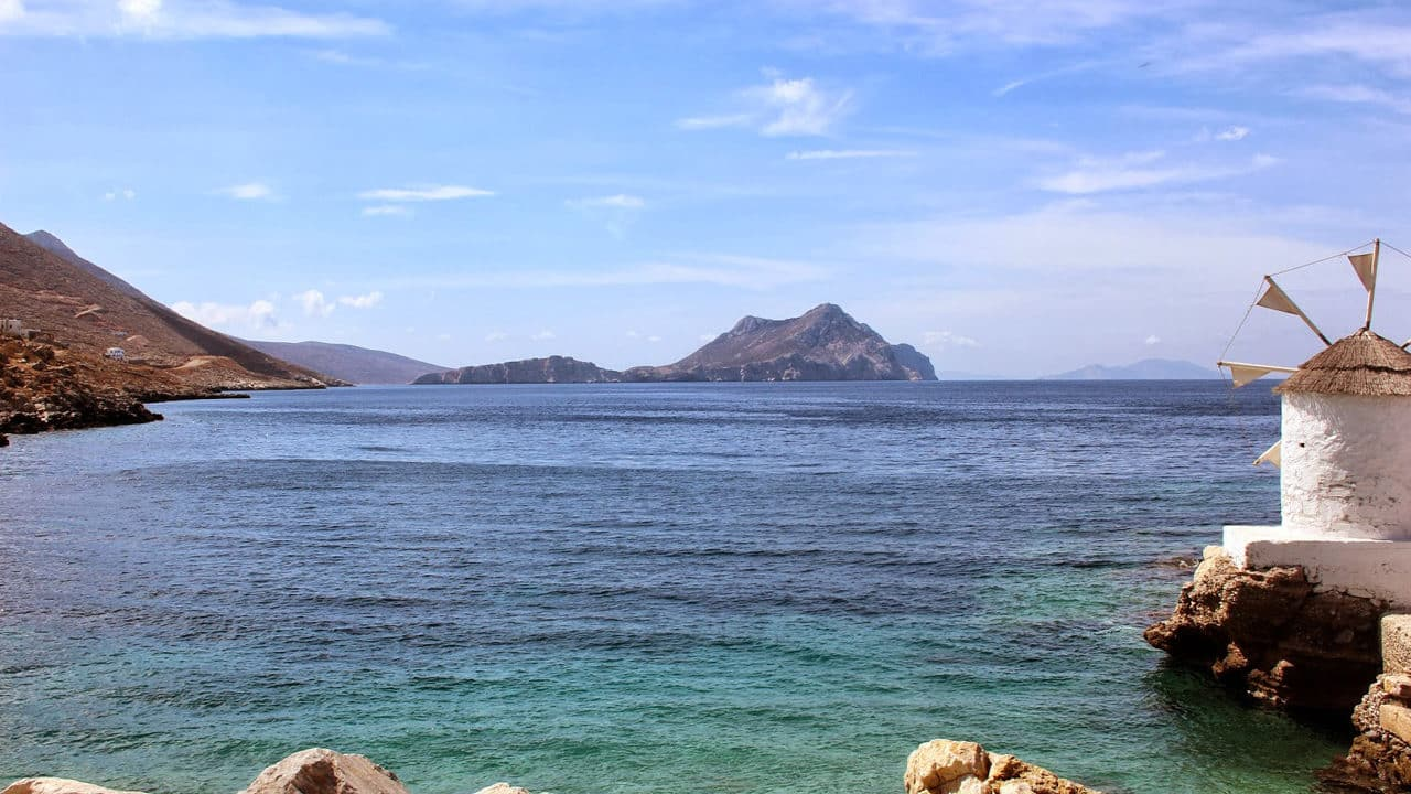 La baie d'Aghiali à Amorgos