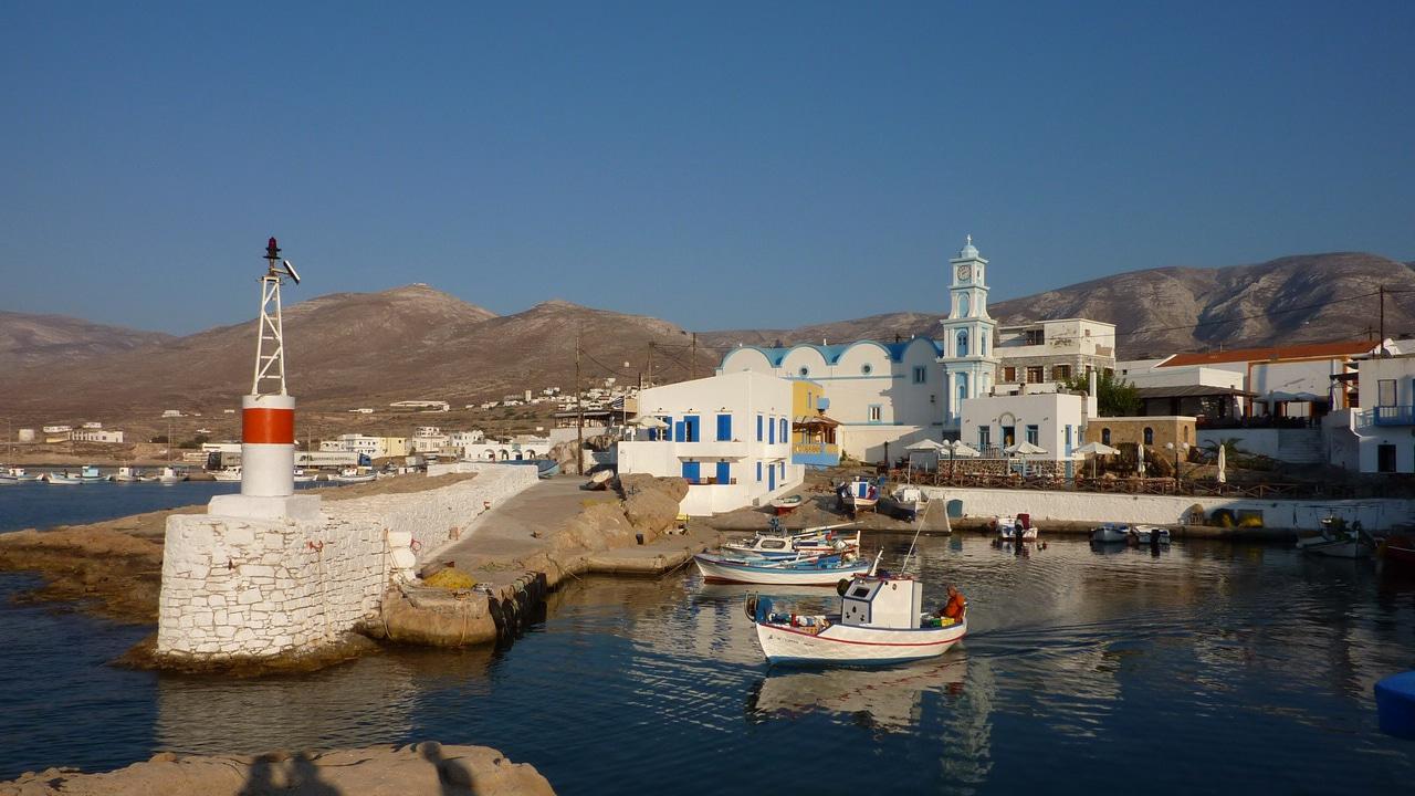 Kasos, Dodécanèse, Grèce - Vue sur le petit port de Fry