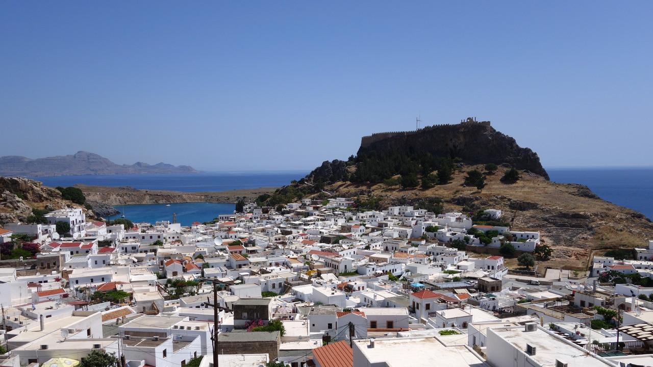 Rhodes, Grèce - Vue sur le village de Lindos