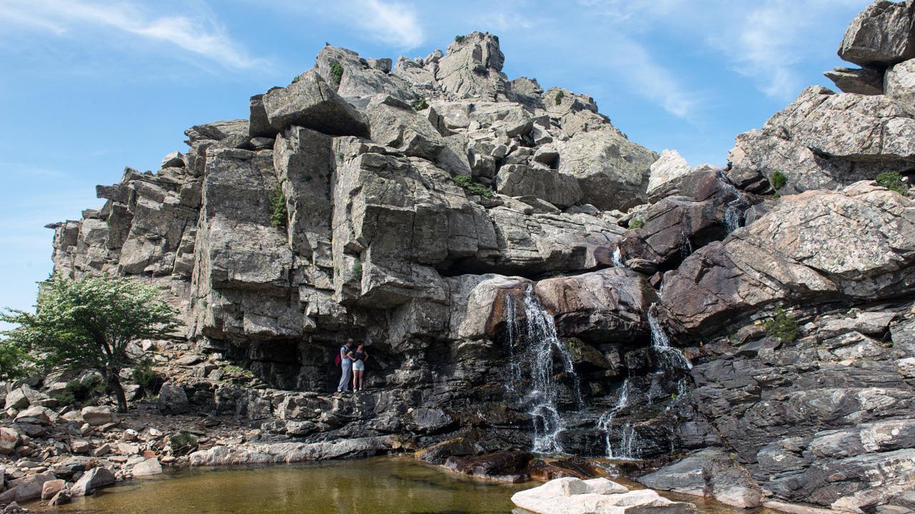 Ikaria - Petites chutes à l'ouest d'Atheva